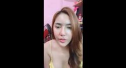 สาวสวยไทยเปิดกล้องโชว์นมโคตรน่าเย็ดเลยที่ห้อง